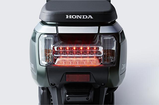 Dunk/LEDテールランプが採用されている