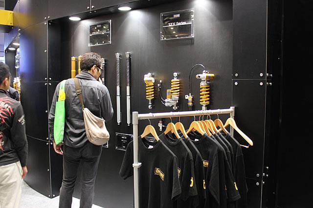 東京MCS2016ピックアップ 金色の足回りといえば オーリンズブース