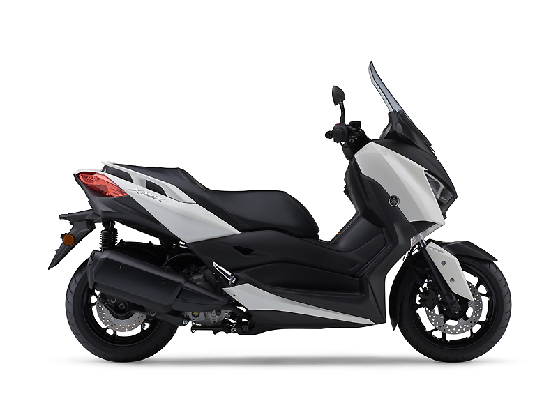XMAX300