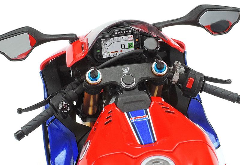 タミヤ 1/12 Honda CBR1000RR-R FIREBLADE SP 記事17