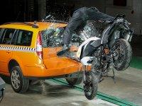 ボッシュが二輪車向け自動緊急通報システム「ヘルプコネクト」を開発 メイン