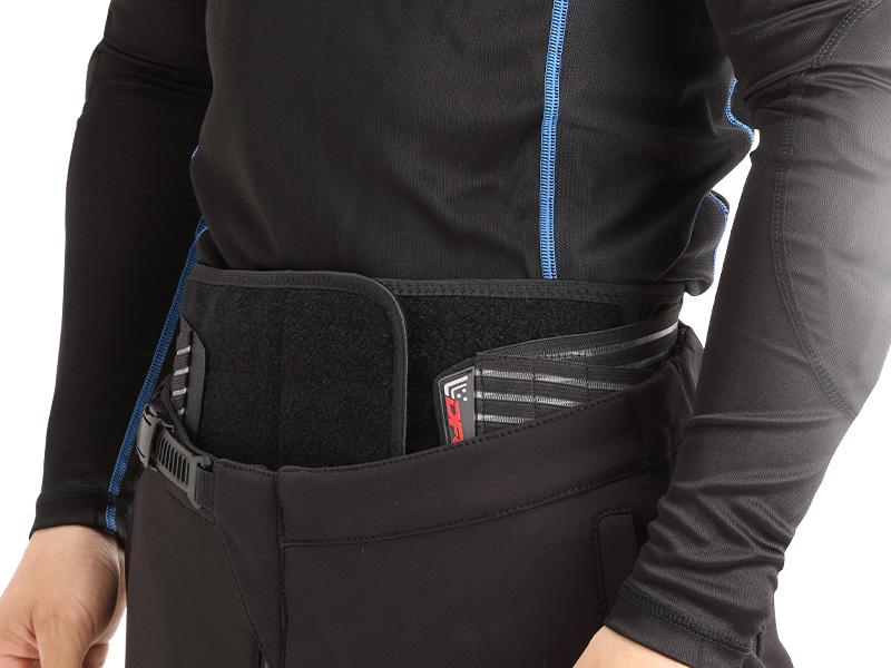 ツーリング時の腰の疲れをサポートするウエストベルト DFG の「アクシス ライディングベルト」が販売中 記事3