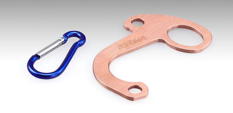 ヘルメットロックが使いやすくなるだけでなく、新生活でも活躍する便利ツール「ヘルロックアシストαコッパ―」がキジマから発売 記事3