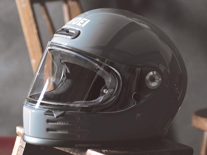 ショウエイがネオクラシックフルフェイスヘルメット「Glamster」の詳細を発表 メイン