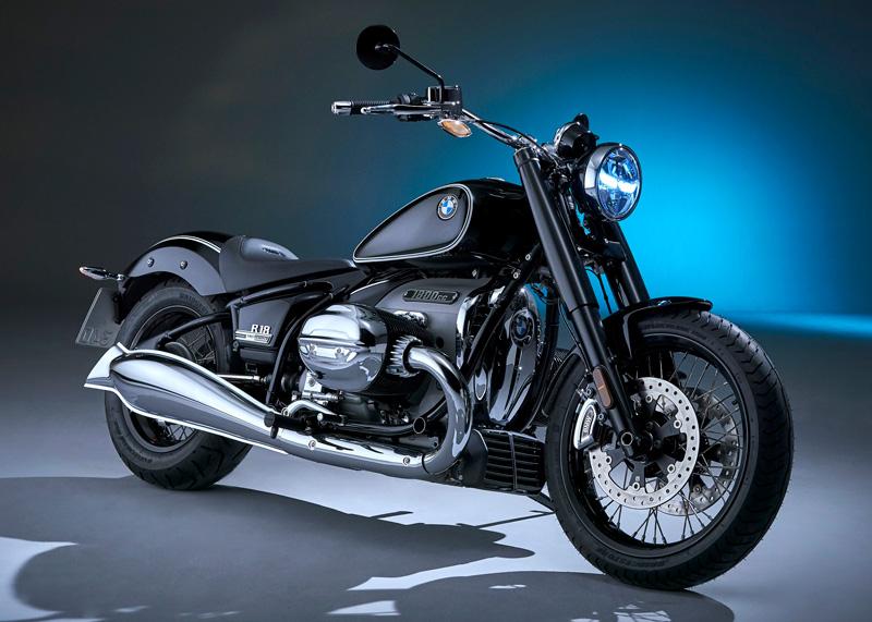 【BMW】1,802ccのボクサーエンジンを搭載する新型クルーザー「R 18」の先行展示会を山形・東京・大阪・愛知で実施 記事1