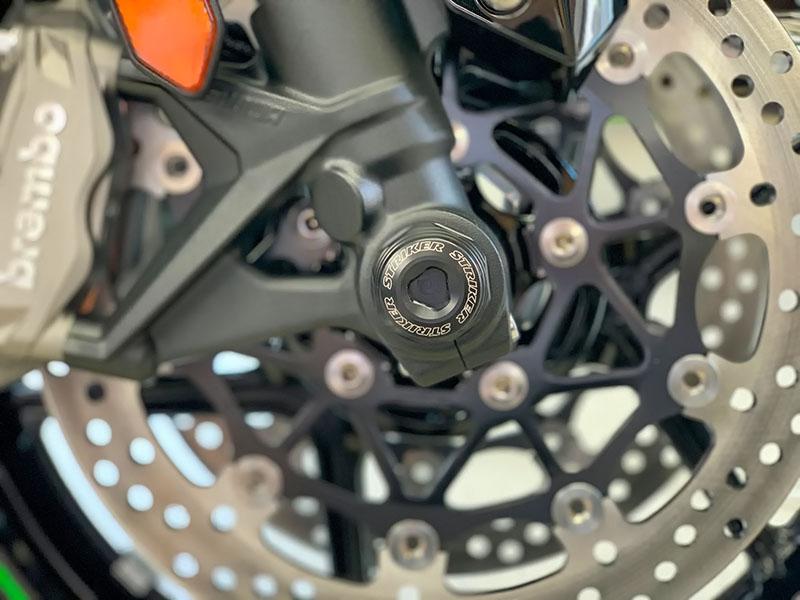 Kawasaki Z H2('20)向け「STRIKER アクスルスライダー フロント」記事02