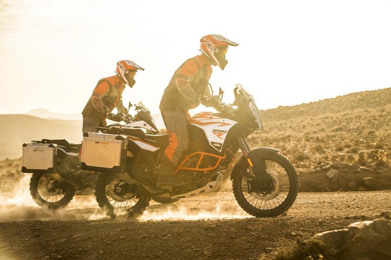 【KTM】MY18・MY19のストリートモデルがお買い得!「KTM サマークリアランスキャンペーン」を7/11~9/30まで開催 記事2