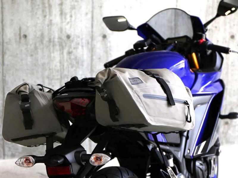 250ccのスポーツバイク専用に設計された防水サイドバッグ「ターポリンサイドバッグ25」がドッペルギャンガーからリリース 記事7