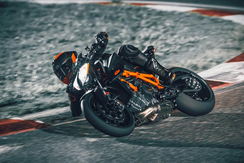 【KTM】豪華オリジナルグッズが当たる!「KTM DUKE シリーズ試乗キャンペーン」を8/22~9/6まで開催 記事8
