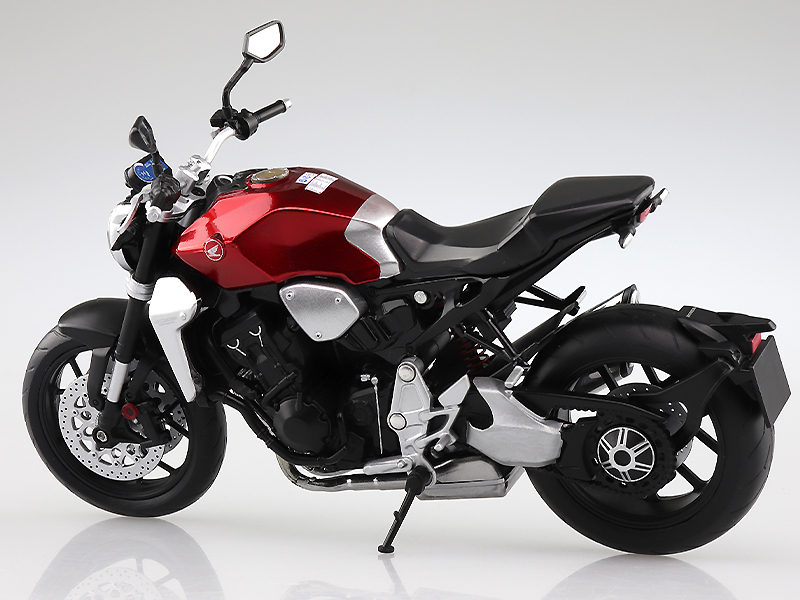 アオシマから塗装済みスケールモデル「1/12 完成品バイク Honda CB1000R」が10月発売予定 記事3