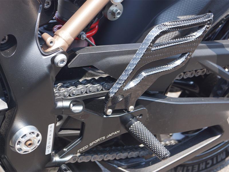 フィードスポーツジャパンから BMW S1000RR 用「レーシングバックステップキット」が発売 メイン