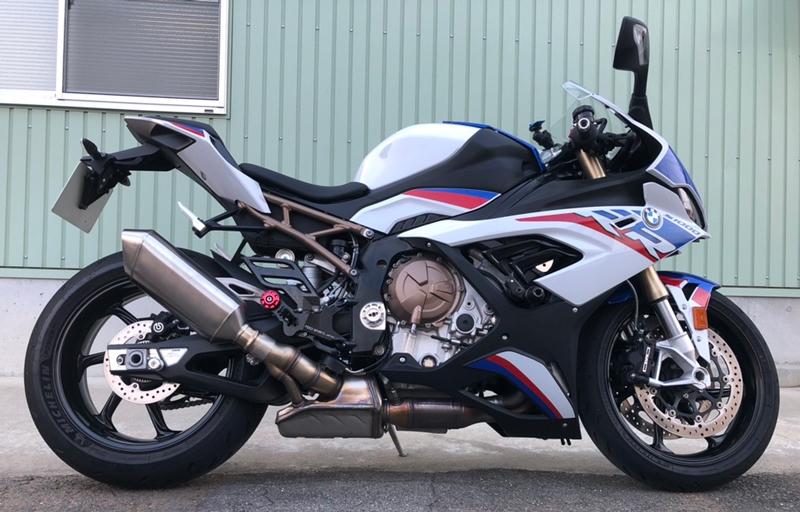 フィードスポーツジャパンから BMW S1000RR 用「レーシングバックステップキット」が発売 記事4