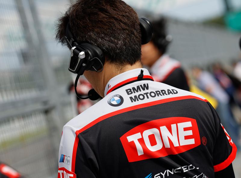 Cardo 製バイク用インカムと「TONE RT SYNCEDGE 4413 BMW」のコラボレーションがスタート 記事1