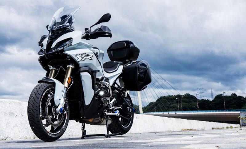 R-style から S1000XR 用エンジンガードが発売! 先着29名限定のマットブラック仕様の受注は10/15まで 記事3