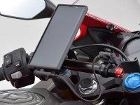 ハンドル回がスッキリするアイディア商品! デイトナから「バイク用 USB 充電ケーブル」が10月中旬発売 メイン