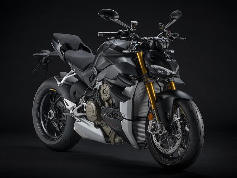【ドゥカティ】MY 2021「ストリートファイター V4」シリーズのユーロ5適合を発表。上位モデル V4 S には新色を追加 記事2