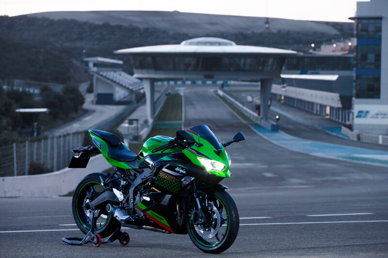 【カワサキ】気軽にサーキットデビュー!「Ninja ZX-25R」ワンメイクレースおよびサーキットイベントの開催を発表 記事4