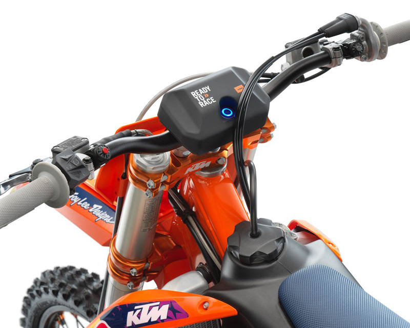 KTM 250 SX-F TROY LEE DESIGNS 記事3