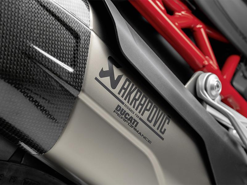 【ドゥカティ】「ムルティストラーダV4」オーナーは要検討? 魅惑のアクラポヴィッチ製エグゾースト メイン