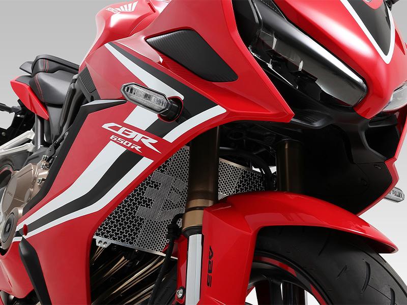 ヨシムラがホンダ CBR650R/CB650R('19~20)に適合する「ラジエターコアガード」を1月中旬に発売 メイン