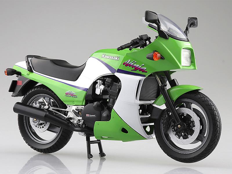 「ニンジャ」と言えばこれ! 塗装済みスケールモデル「1/12 完成品バイク KAWASAKI GPZ900R」が2021年5月にアオシマから発売予定 メイン