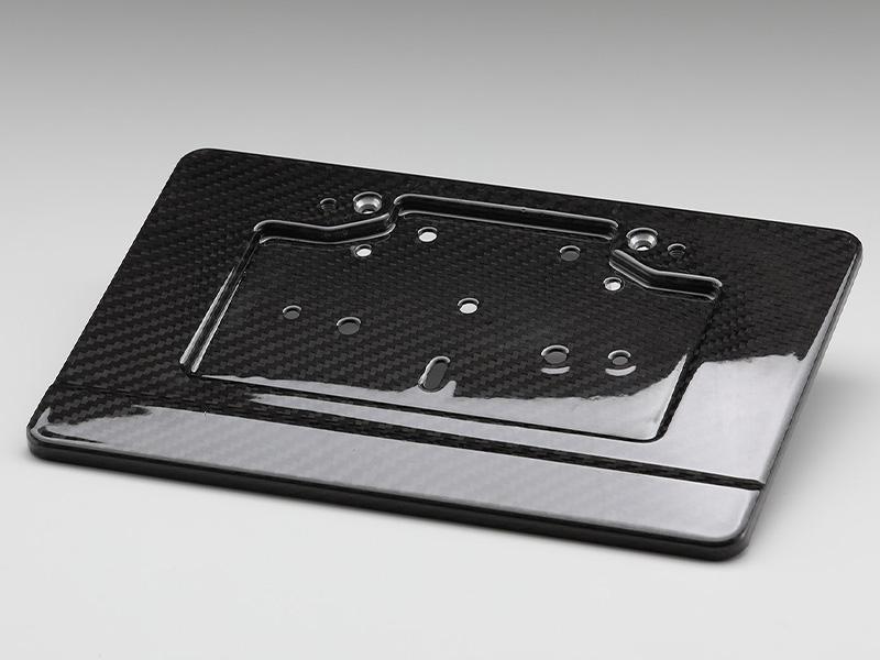 AELLA から DUCATI および BMW に適合する「ドライカーボンナンバープレートホルダー」が発売 メイン