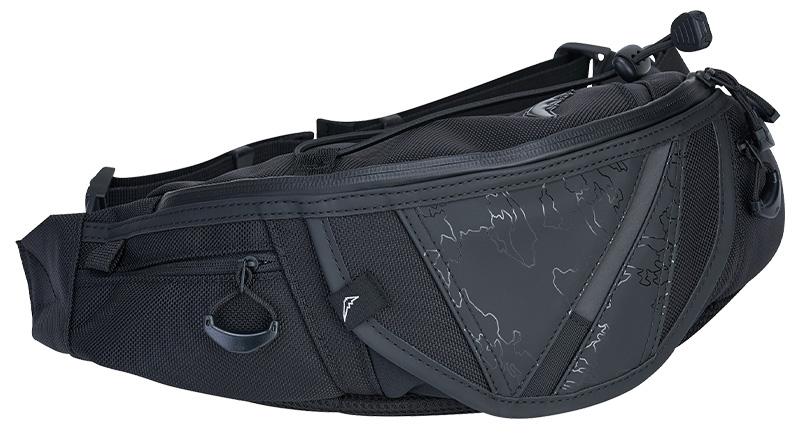 クシタニのバイク用バッグに限定モデル「ブラックアウトシリーズ」5アイテムが登場 記事1