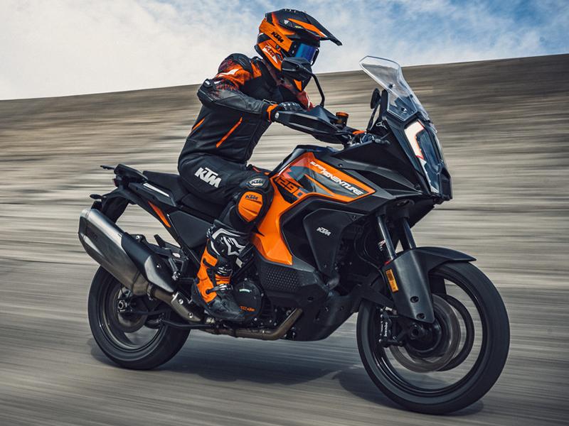 KTM 2021年モデル KTM 1290 SUPER ADVENTURE S KTM 1290 SUPER ADVENTURE R 記事1