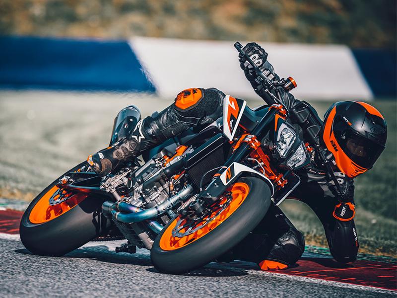 【KTM】憧れの KTM でバイクライフをスタートしたいなら!「免許サポートキャンペーン」を4/1~9/30まで開催 記事1