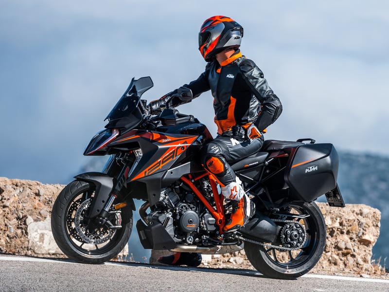 【KTM】憧れの KTM でバイクライフをスタートしたいなら!「免許サポートキャンペーン」を4/1~9/30まで開催 記事2