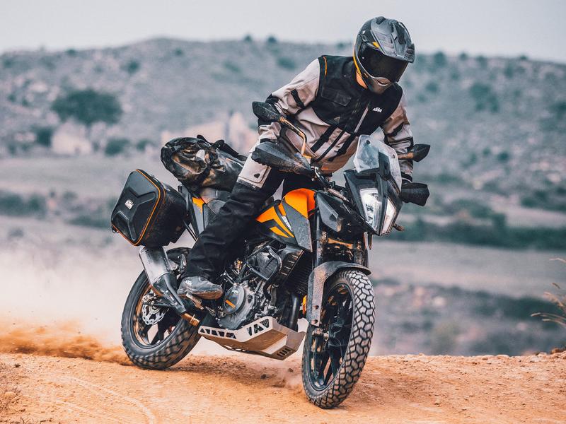 【KTM】憧れの KTM でバイクライフをスタートしたいなら!「免許サポートキャンペーン」を4/1~9/30まで開催 記事3