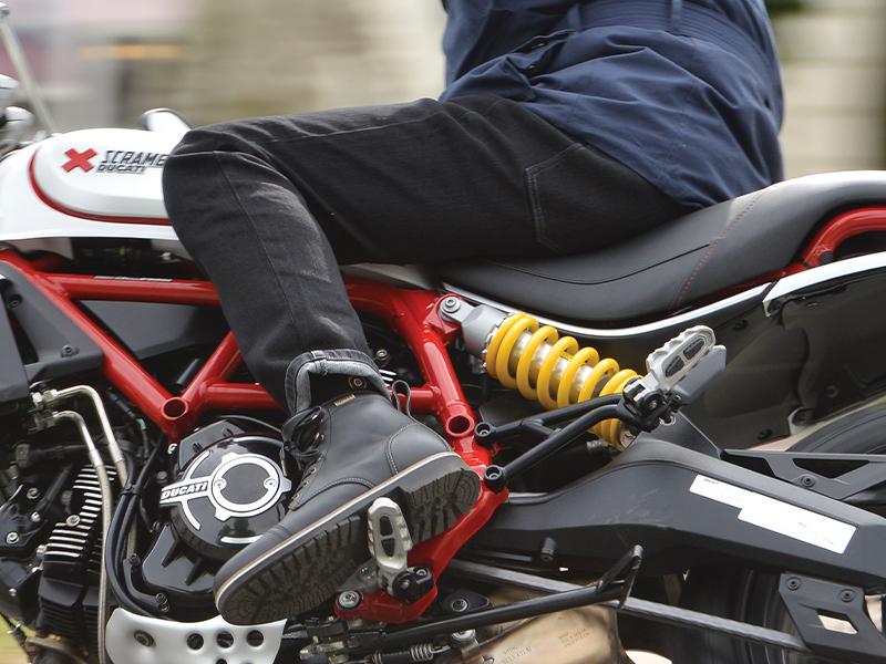 OXFORD のアーマライトジーンズに日本人体型にフィットする「アジアンフィットモデル」が登場 記事2