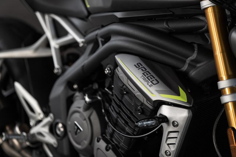 【トライアンフ】「新型SPEED TRIPLE 1200 RS デビューフェア」を4/10~5/9まで開催 記事3
