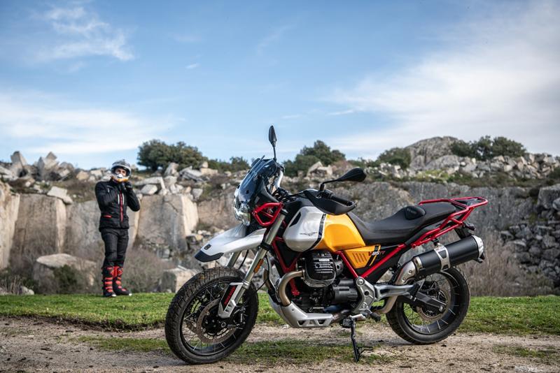 モトグッツィ V85 TT V85 TT 100周年記念車 V85 TT Travel 2021年モデル 記事3