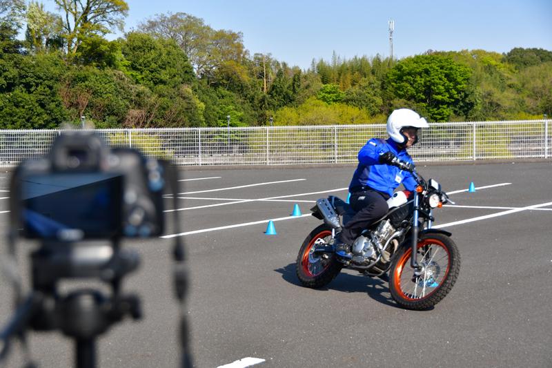 【ヤマハ】「大人のバイクレッスン」にライディングテクニックを可視化できる支援システム「YRFS」を導入 記事1