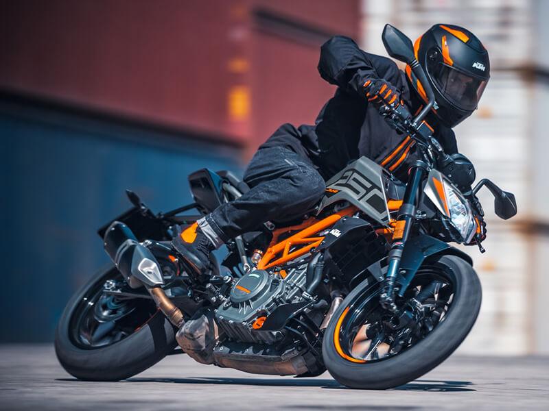 【KTM】MY 2021ストリートモデル6車種の価格を6/1より改定 記事1