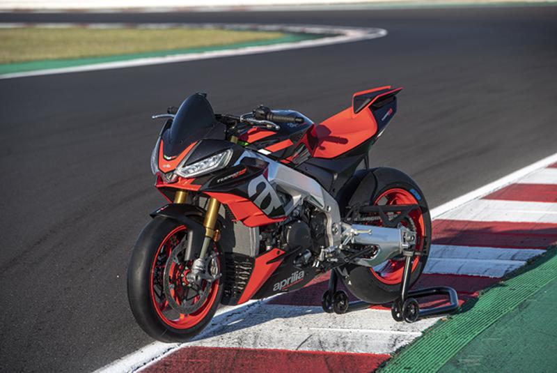 アプリリア トゥオーノ V4 Factory 2021年モデル 記事3