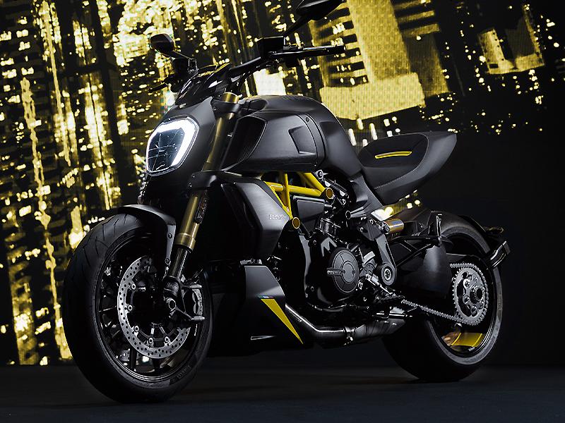 ドゥカティ ディアベル1260 S 2022年モデル ブラック&スチール メイン