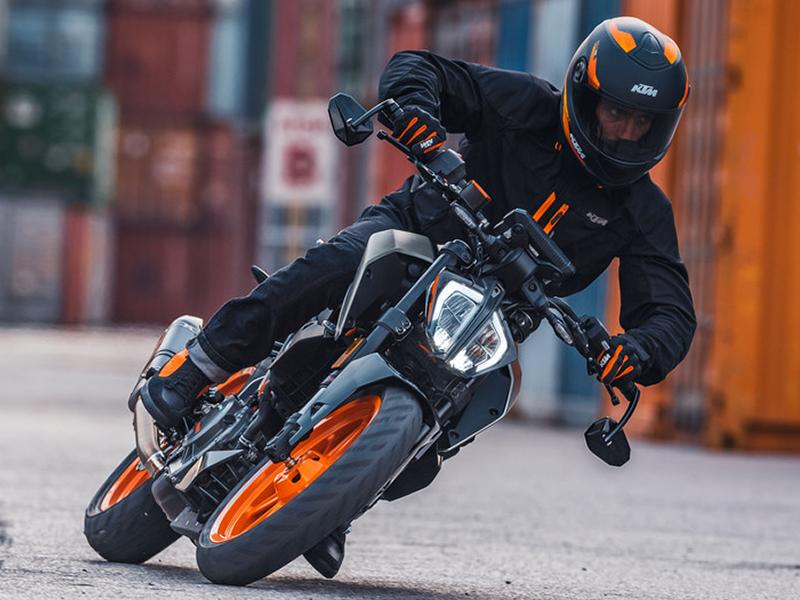 【KTM】MY 2021ストリートモデル6機種の価格を8/1より改定 メイン