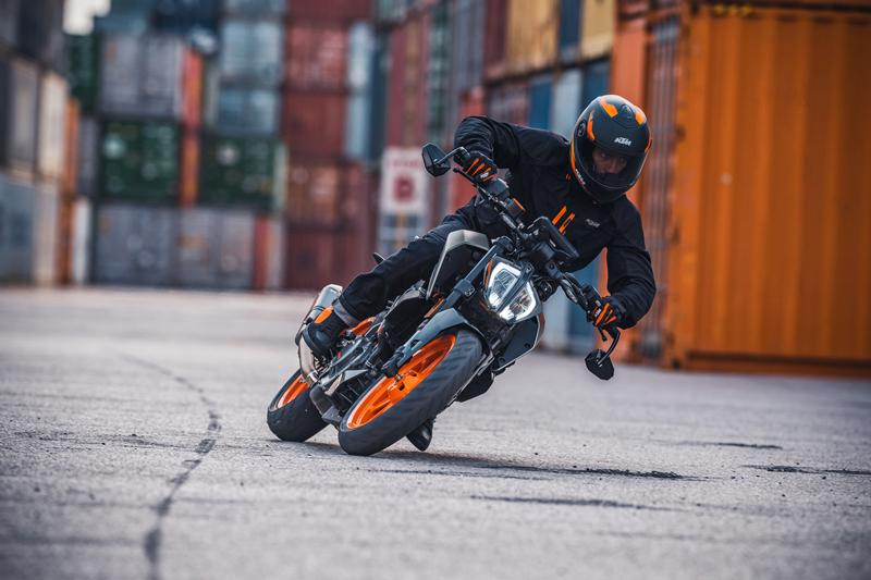 【KTM】MY 2021ストリートモデル6機種の価格を8/1より改定 記事1