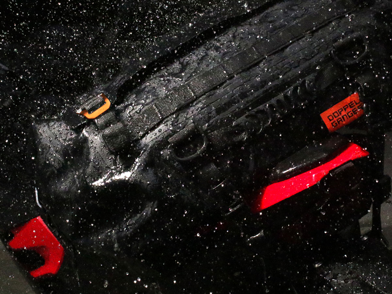 荷崩れしにくい大容量防水シートバッグ!「ターポリンシートバッグ ツアー DBT611-BK」がドッペルギャンガーから発売 記事4