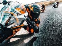 【KTM】中型スーパースポーツ最強となるか! MY2022「RC 390」が公開 サムネイル