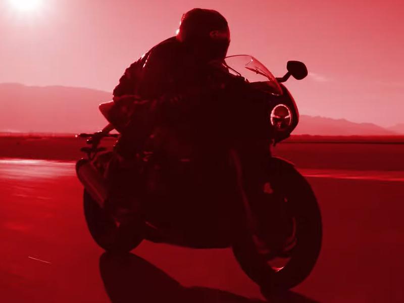 【トライアンフ】「スピードトリプル1200 RR」のティザー動画第二弾が公開